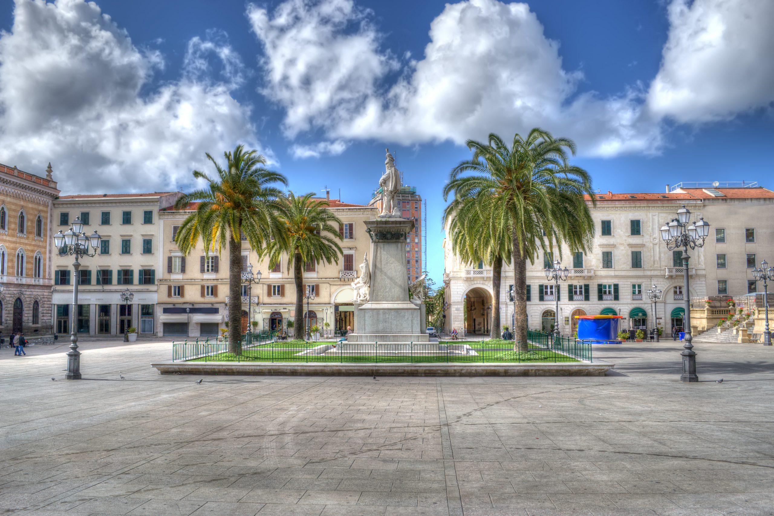 Piazza d'Italia w Sassari, licencja: shutterstock/By Gabriele Maltinti