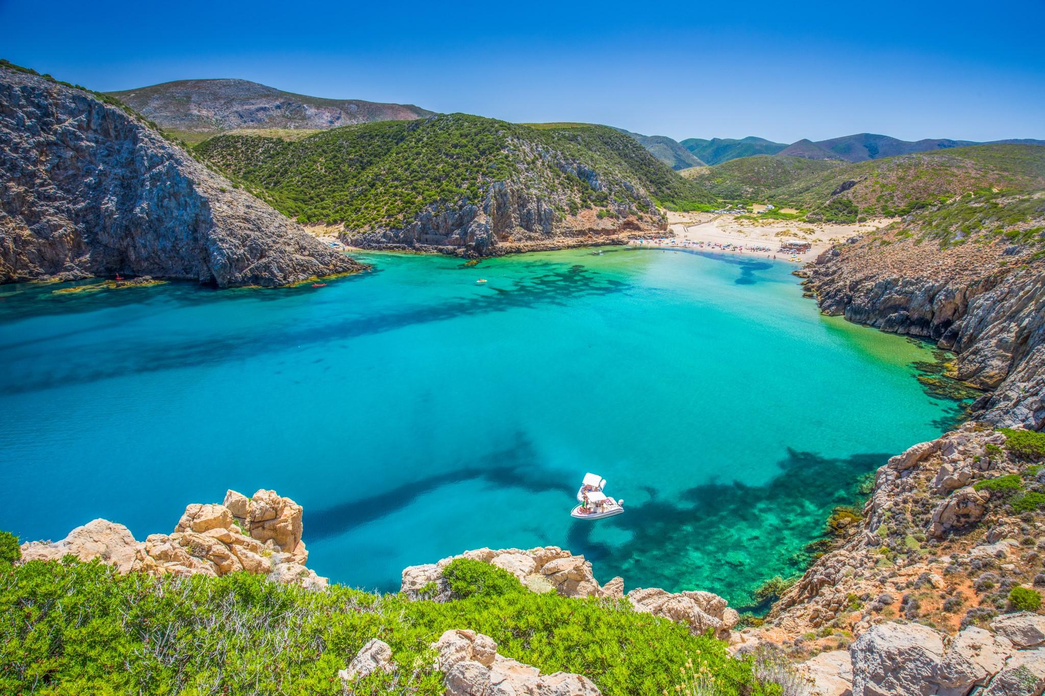 Cala Domestica beach, Sardynia, Włochy. Sardynia jest drugą co do wielkości wyspą na Morzu Śródziemnym.