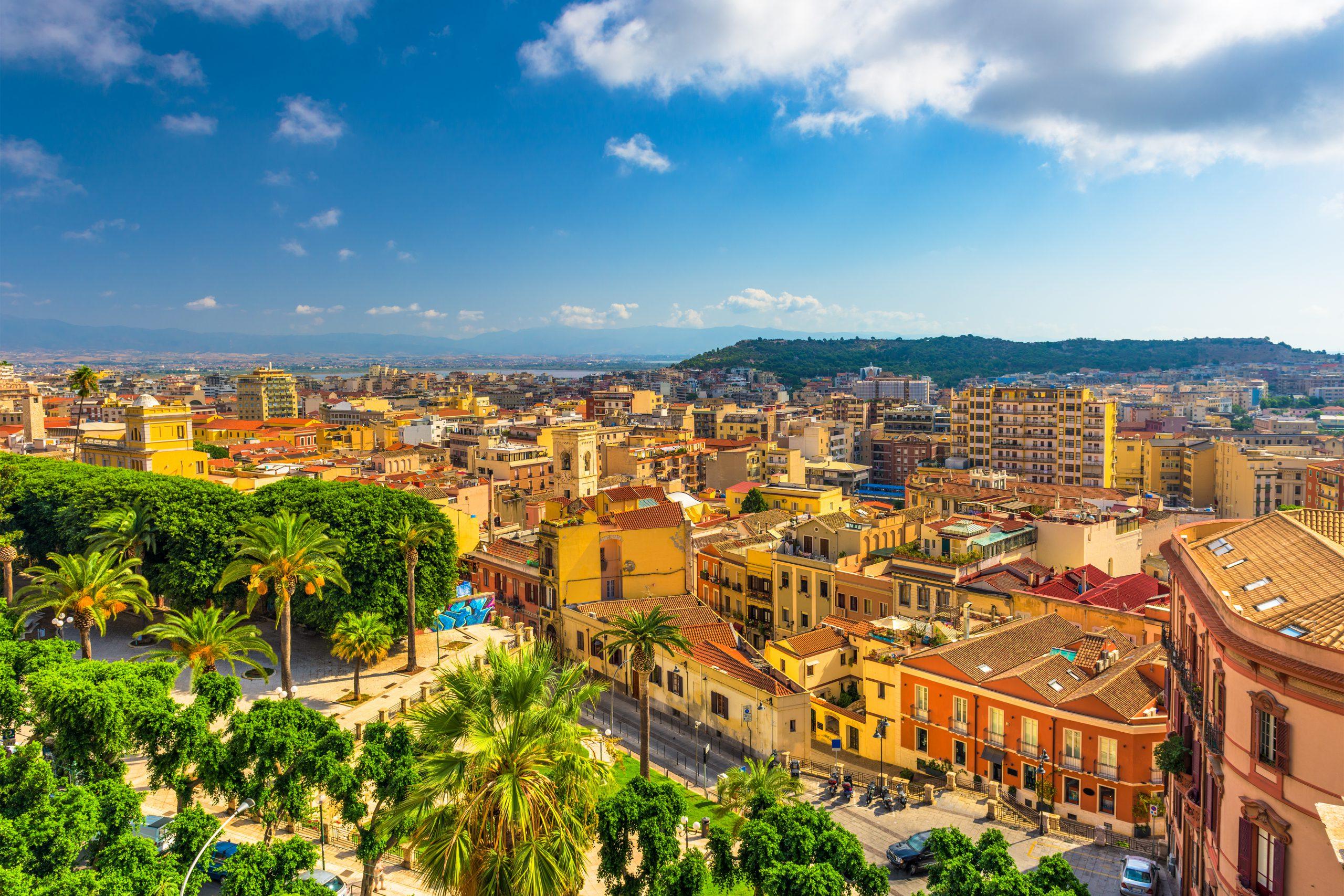 Cagliari, Sardynia, Włochy stare miasto pejzaż.